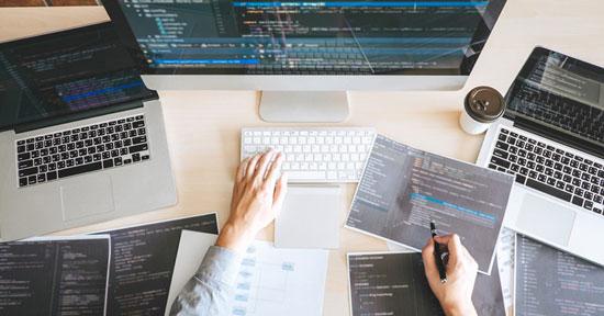 ganar dinero haciendo webs